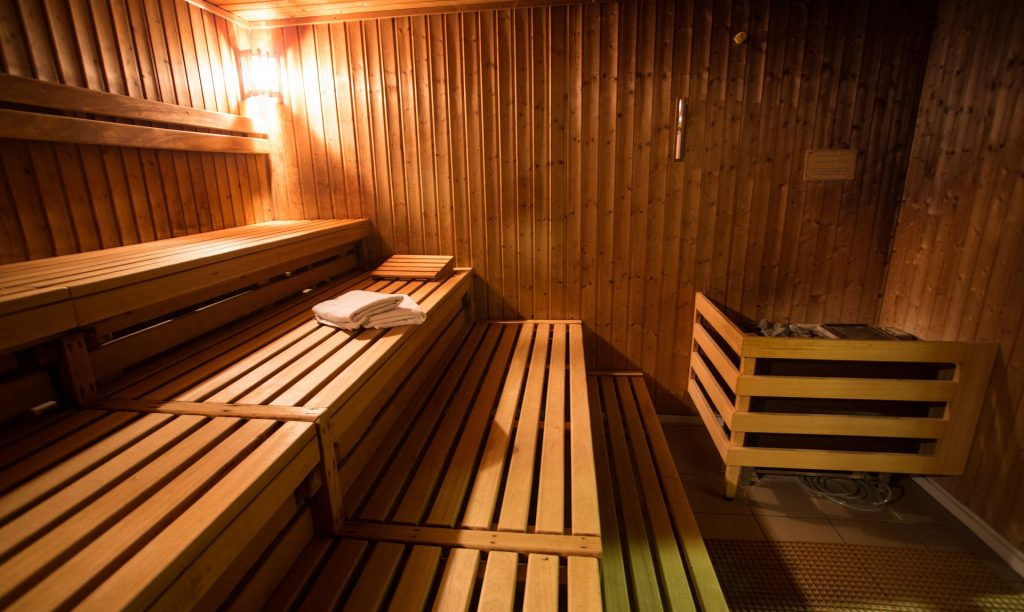 Traditional vs. Infrared Sauna
